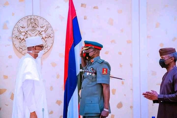 Buhari Promotes New Army Chief To Rank of Lieutenant-General